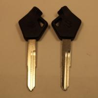 Ключ SUZUKI_SZ12_(D-259b)