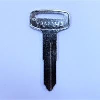 YAMAHA AUTO-MOTO правый (F-313b)